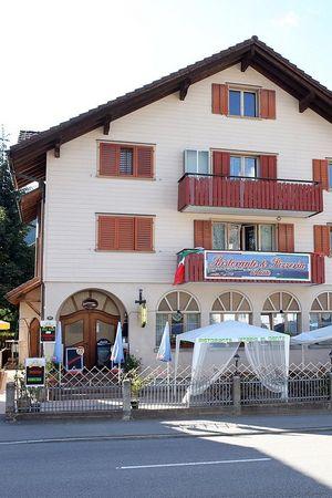 Roma Café & Bar