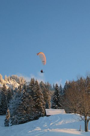 Gleitschirmfliegen im Winter