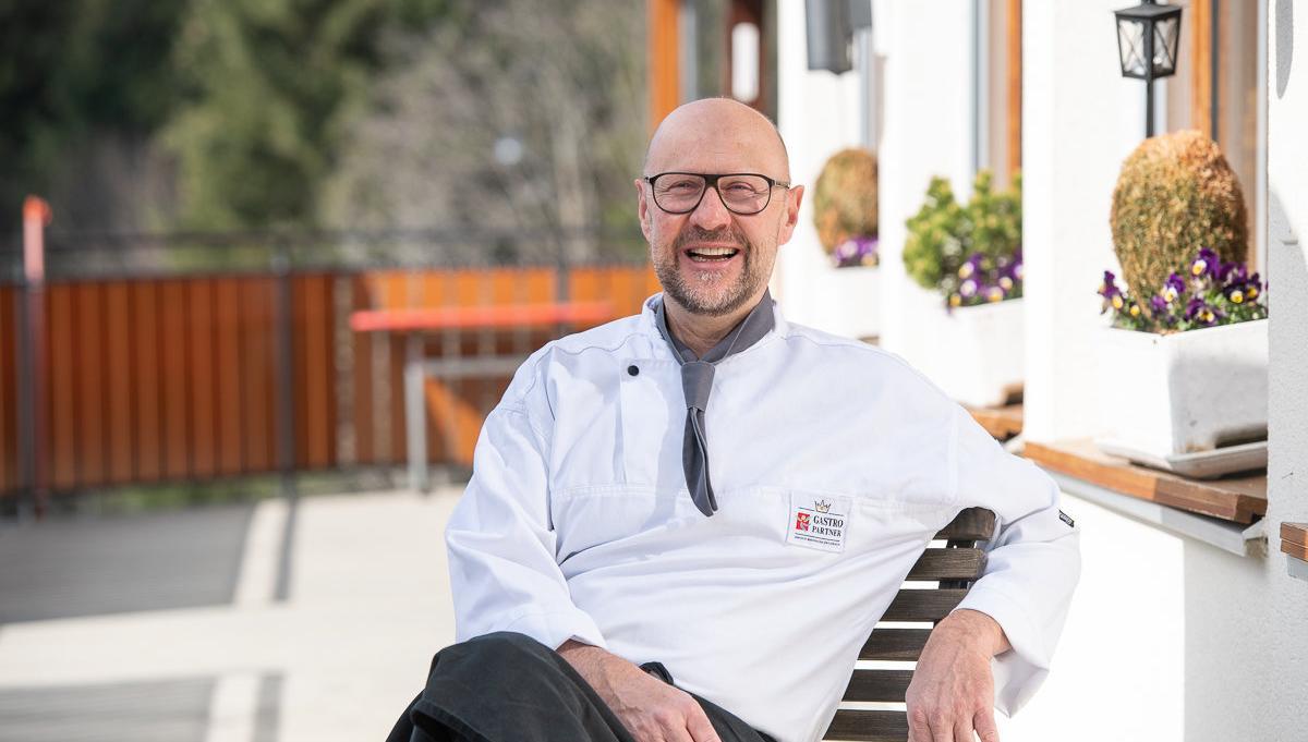 Ernst Wegmueller mit seinem Team im  Bergrestaurant Salwideli. Fotos zu Broschuere Gastropartner UNESCO-Biosphaere Entlebuch UBE.