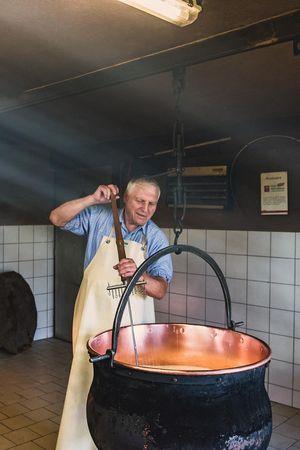 Käsekunst am eigenen Laib erfahren – Selber Käse herstellen